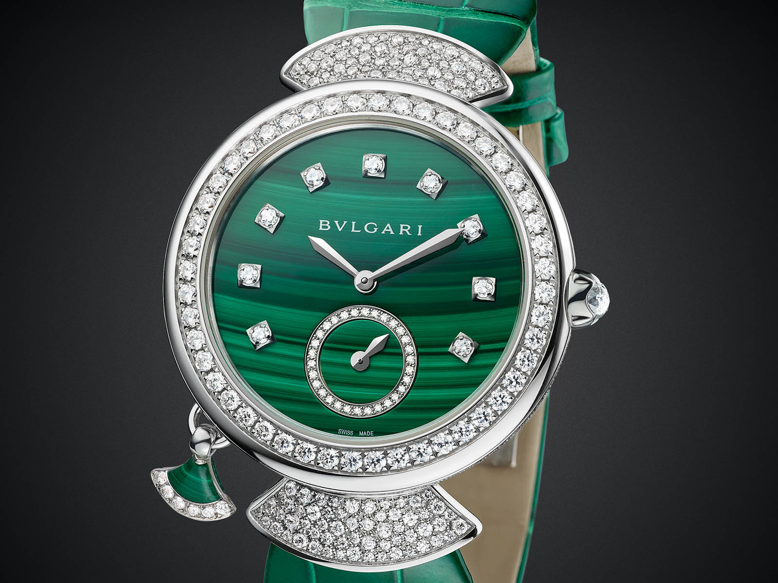 103282-bulgari-divas-dream-finissima-minute-repeater-malachite-3.jpg