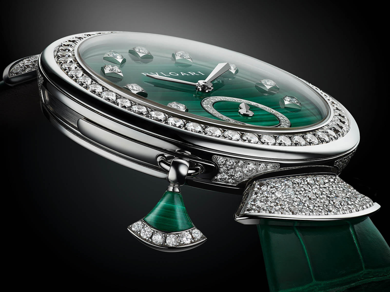 103282-bulgari-divas-dream-finissima-minute-repeater-malachite-5.jpg