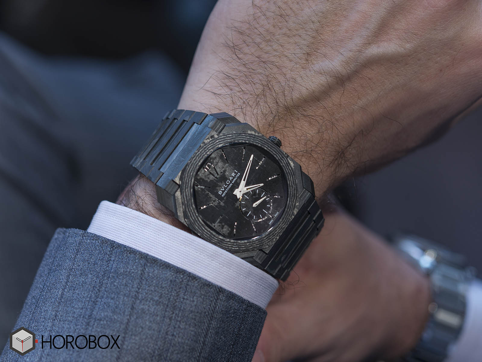 bulgari-octo-finissimo-minute-repeater-carbon-2.jpg