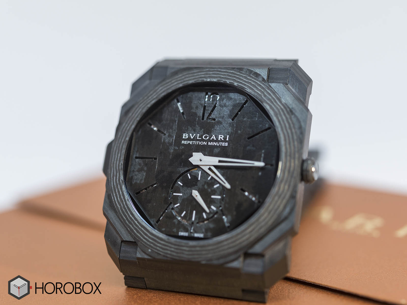 bulgari-octo-finissimo-minute-repeater-carbon-3.jpg