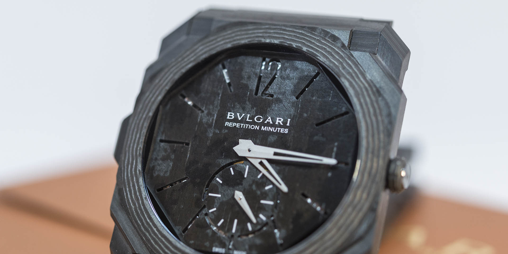 bulgari-octo-finissimo-minute-repeater-carbon-4.jpg