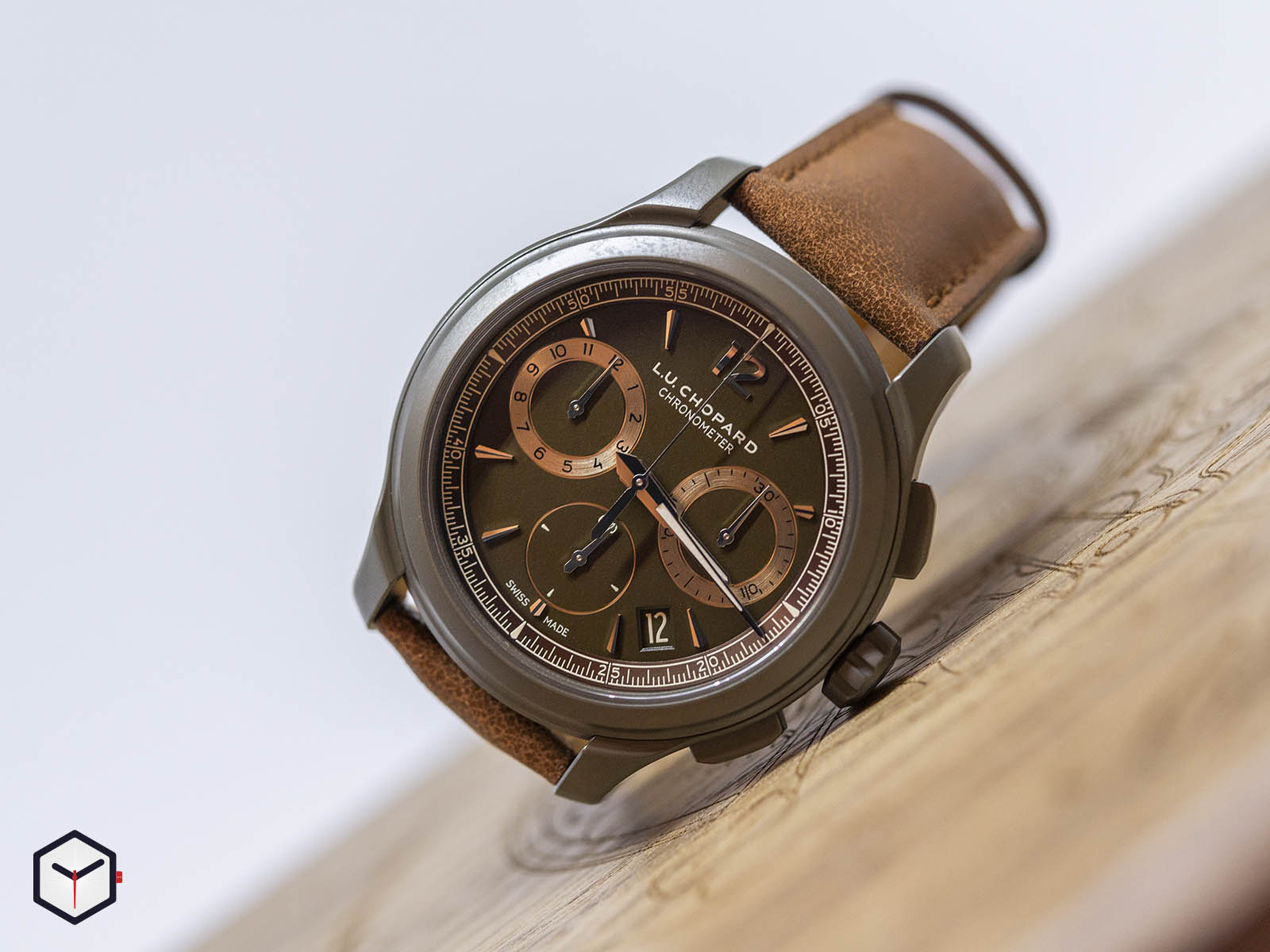 168596-3002-chopard-l-u-c-chrono-one-flyback-1.jpg