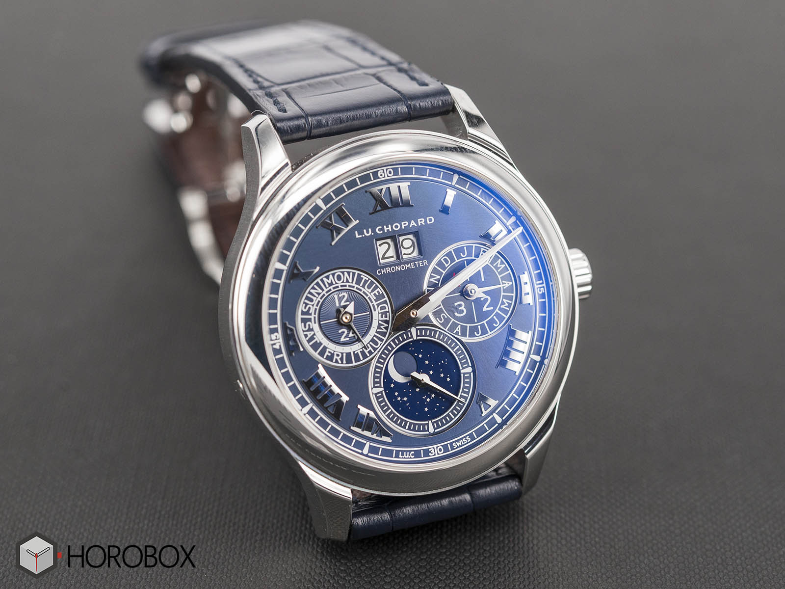 Chopard-L-U-C-Lunar-One-Platinum-Royal-Blue-perpetual-calendar-1-.jpg