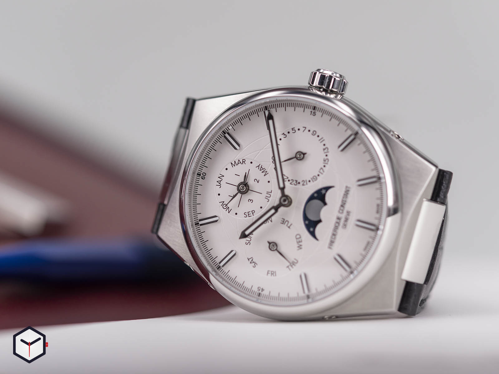fc-775s4nh6-frederique-constant-highlife-perpetual-calendar-manufacture-2.jpg
