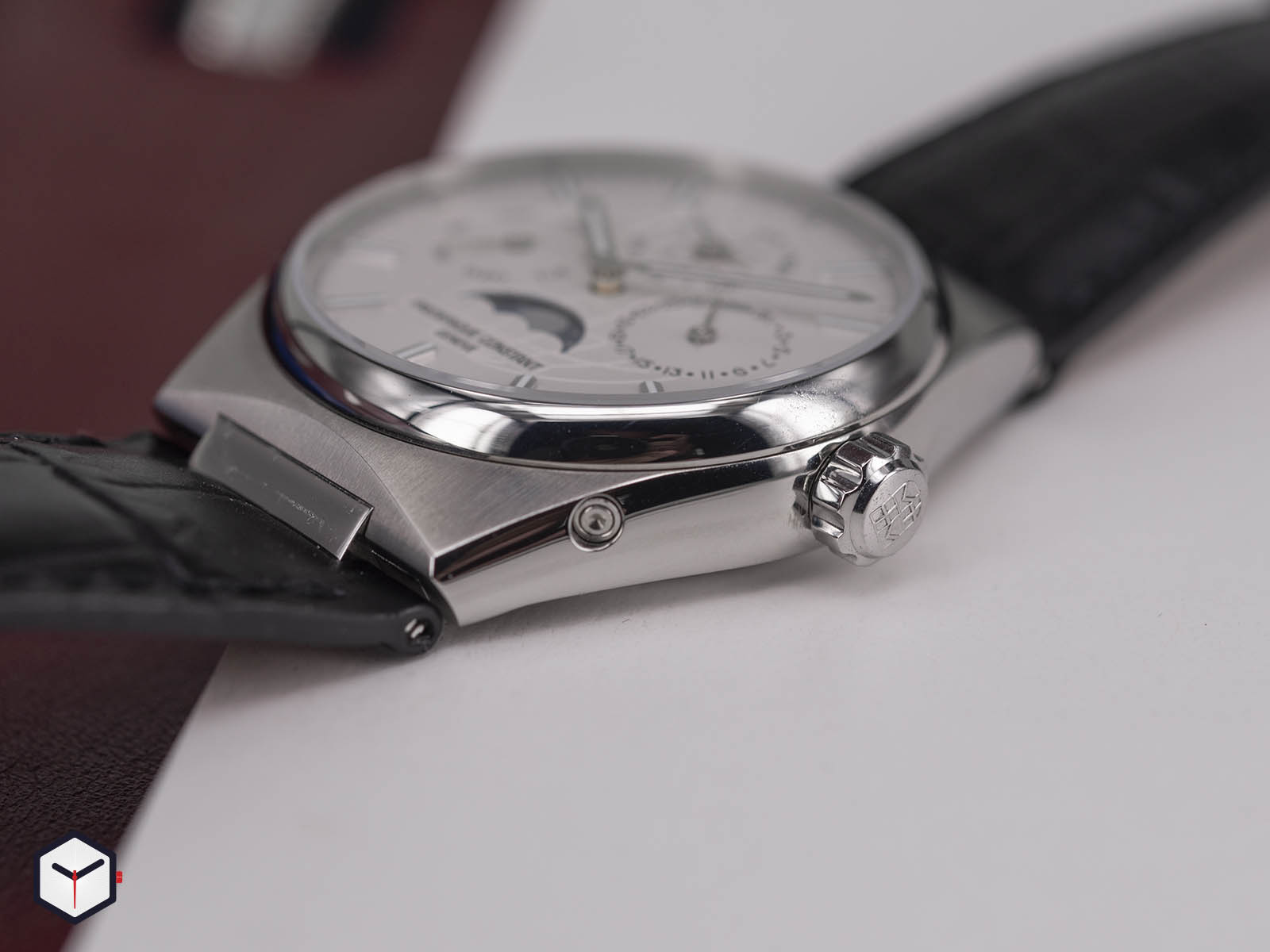 fc-775s4nh6-frederique-constant-highlife-perpetual-calendar-manufacture-5.jpg