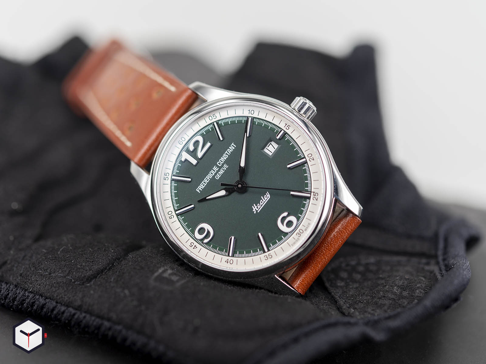 fc-303hgrs5b6-frederique-constant-vintage-rally-healey-automatic-2.jpg