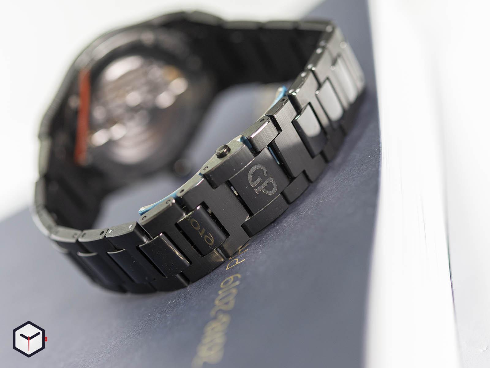 81010-32-631-32a-girard-perregaux-laureato-42mm-ceramic-6.jpg