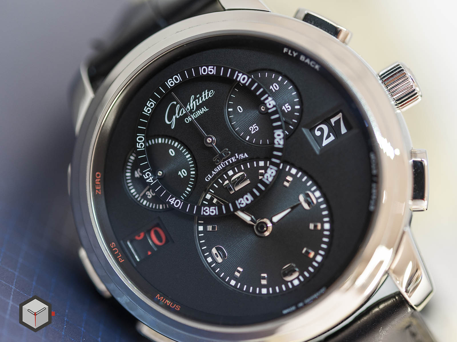 glashutte-original-panomatic-counter-xl-4.jpg