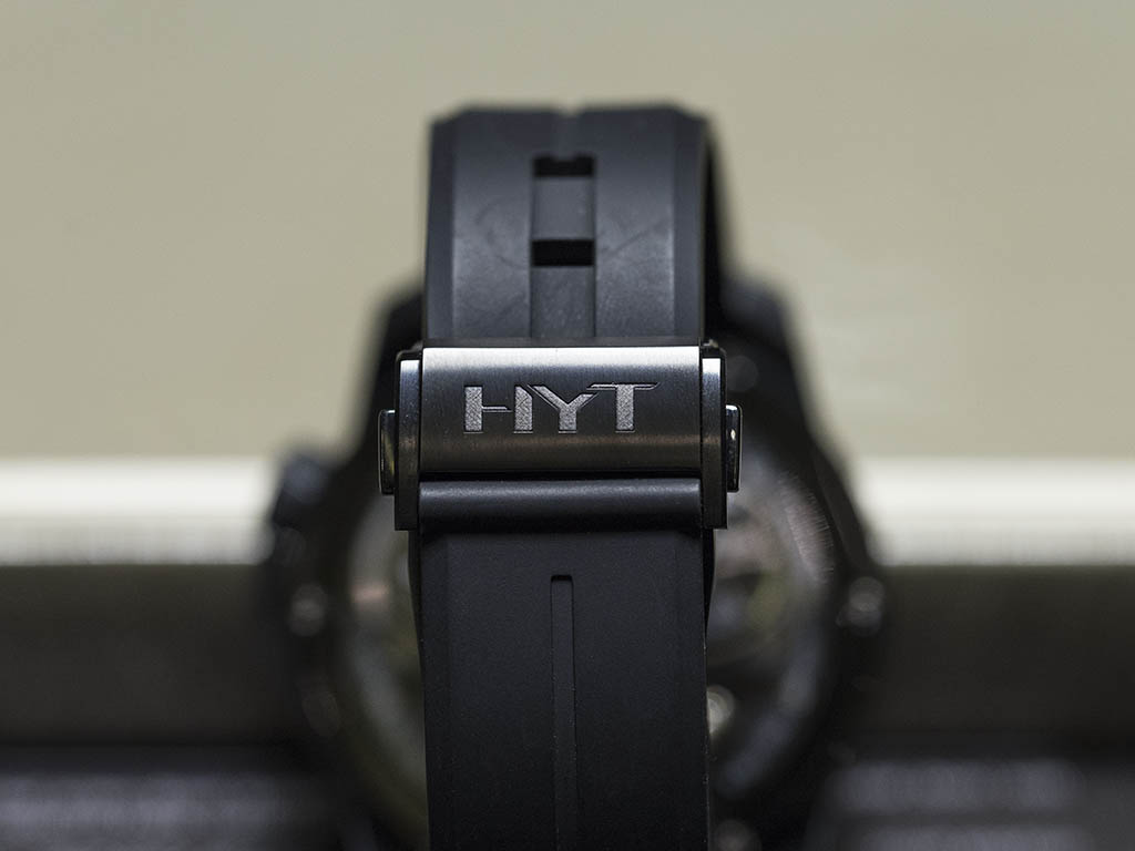HYT_H2_T-TAN-UM_BLACK_DLC_10.jpg