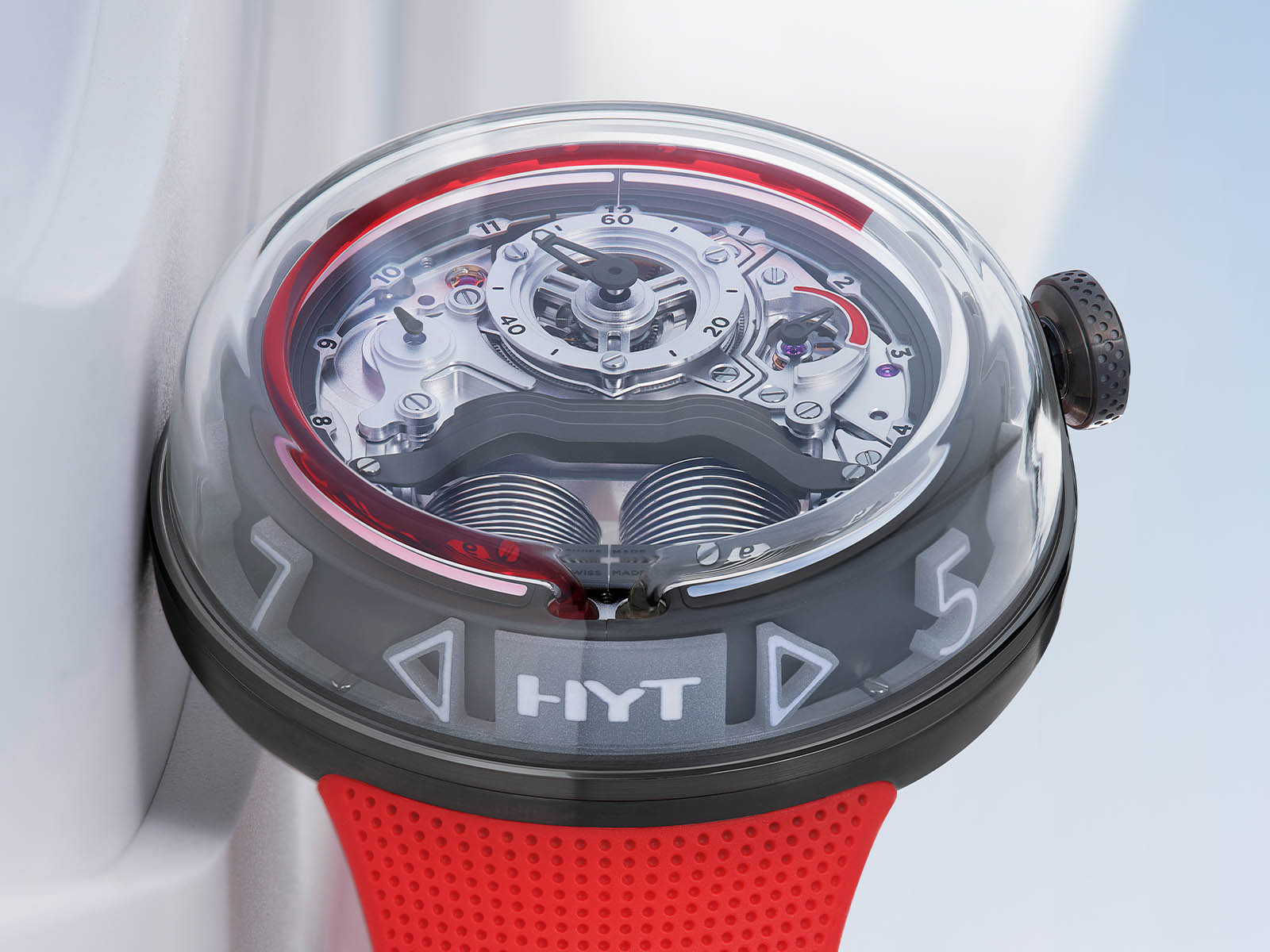 h02248-hyt-h5-red-limited-edition-5.jpg