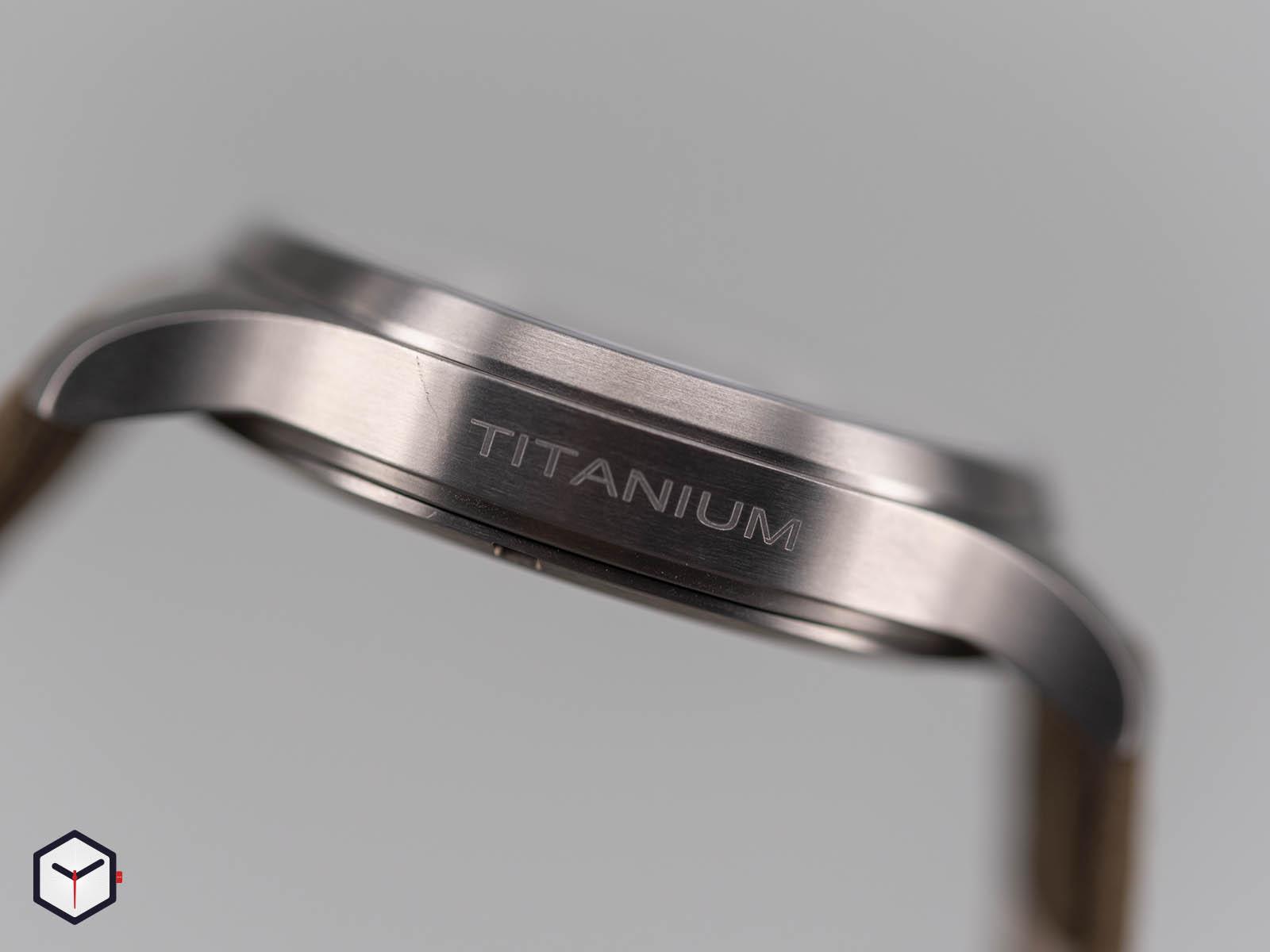 h70545550-hamilton-khaki-field-titanium-auto-4.jpg