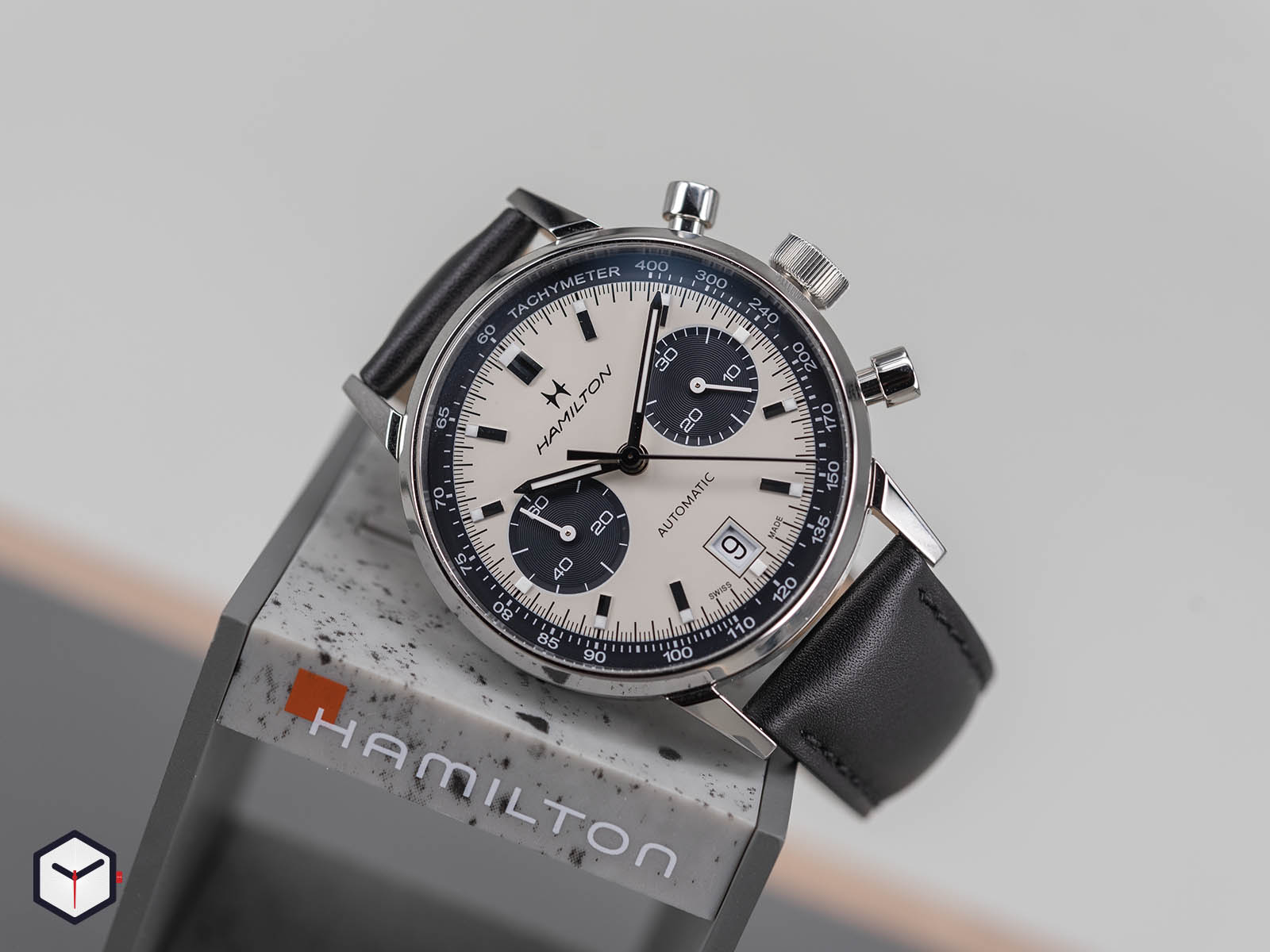 h38416711-hamilton-intra-matic-auto-chrono-2.jpg