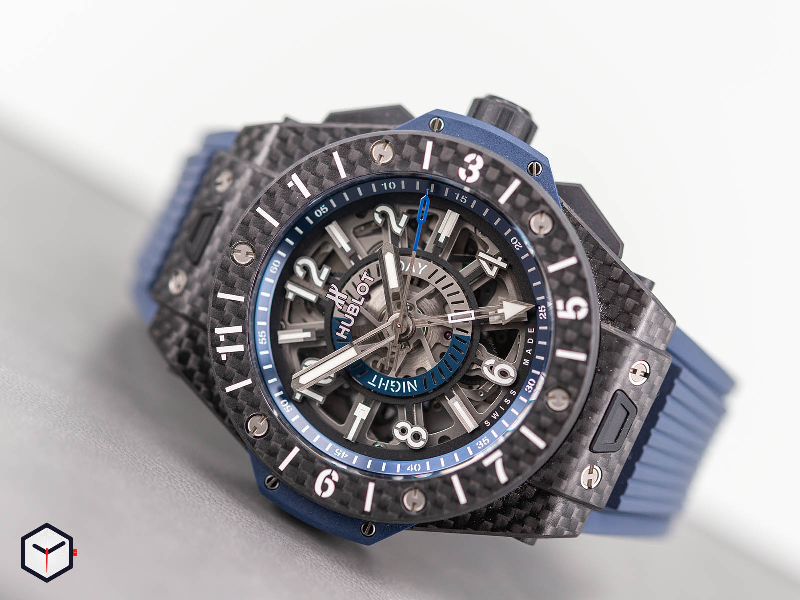 471-qx-7127-rx-hublot-big-bang-unico-gmt-carbon-1.jpg