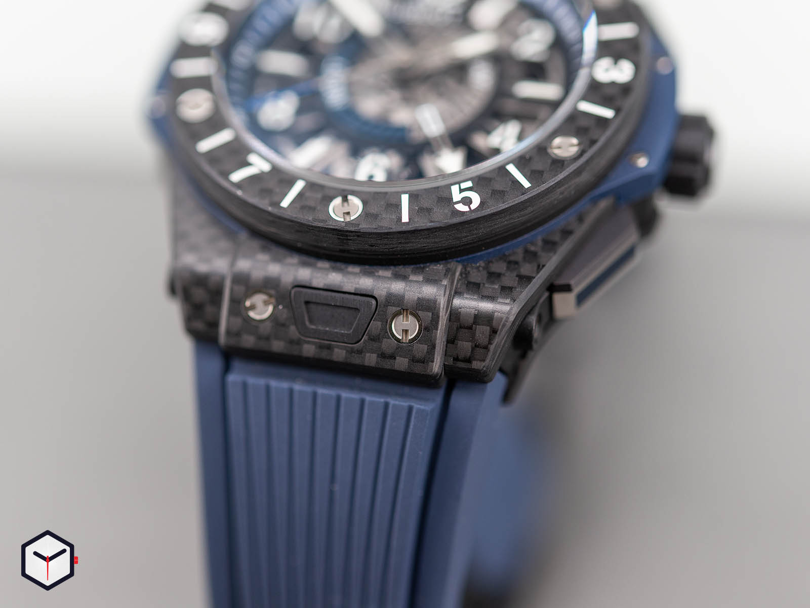 471-qx-7127-rx-hublot-big-bang-unico-gmt-carbon-5.jpg