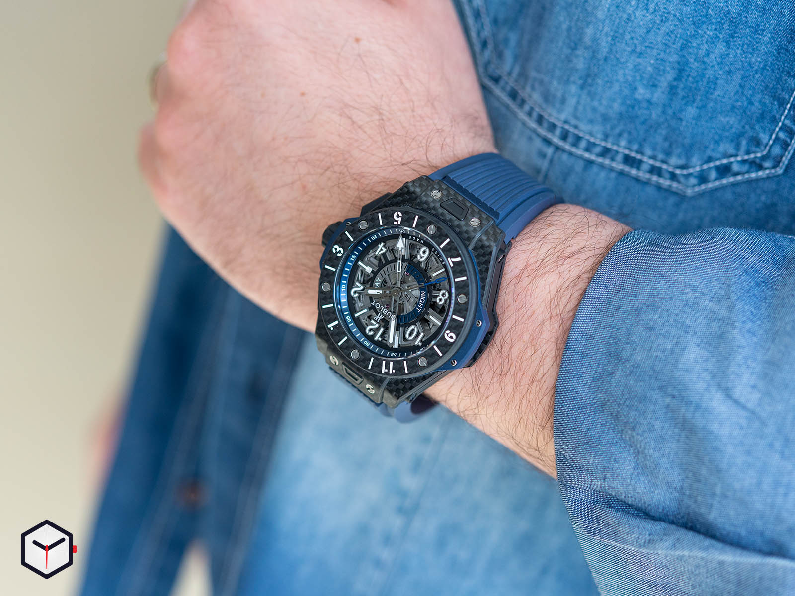 471-qx-7127-rx-hublot-big-bang-unico-gmt-carbon-9.jpg