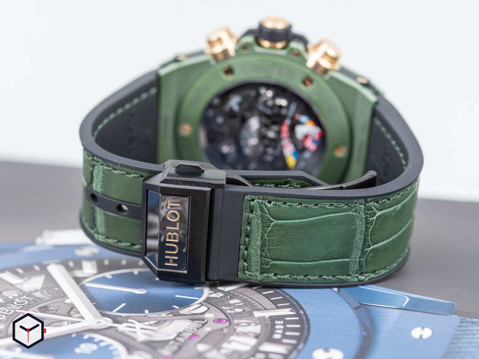 411-gx-1189-lr-wbc19-hublot-big-bang-unico-wbc-7.jpg