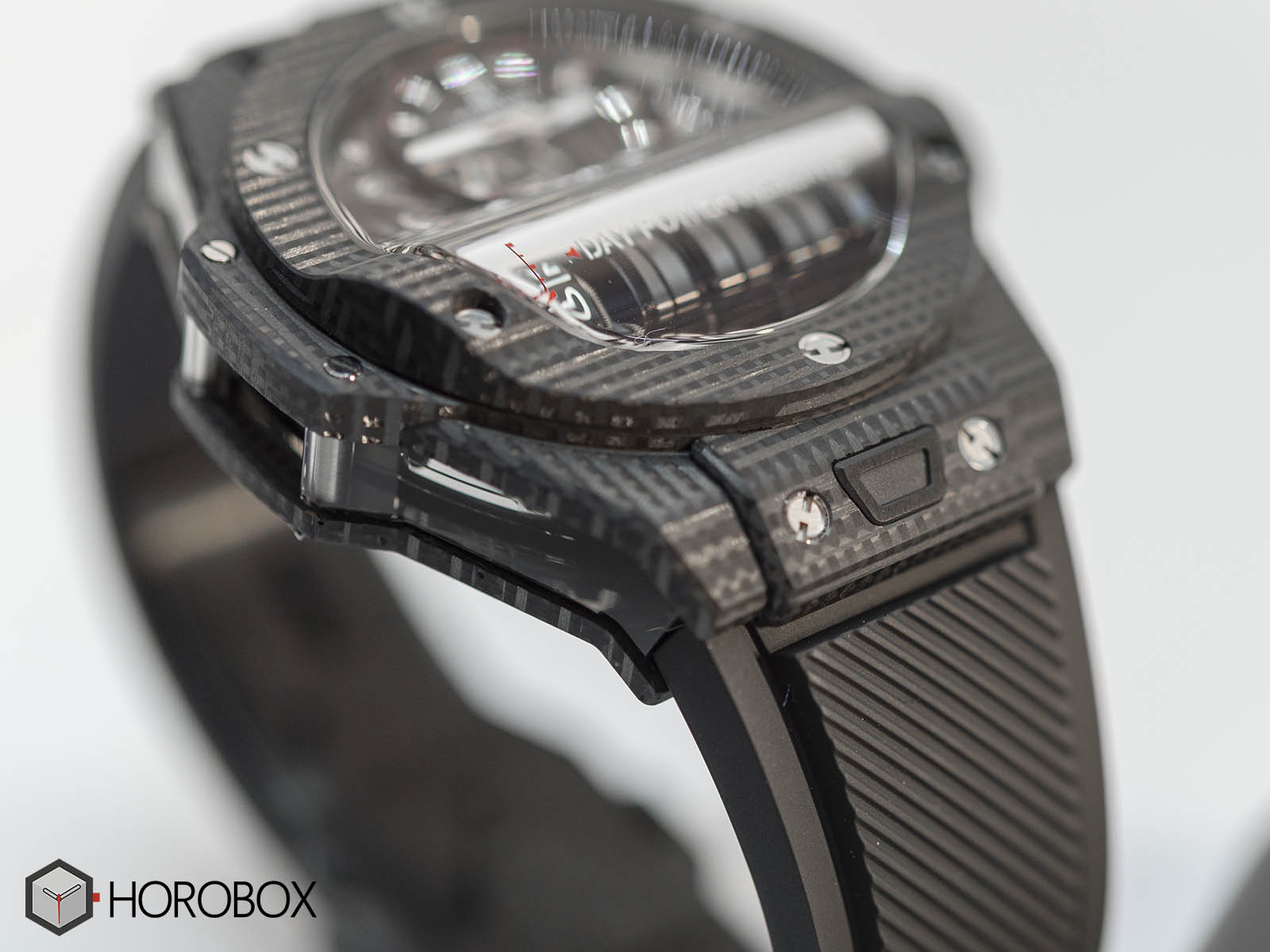 911-qd-0123-rx-hublot-mp-11-power-reserve-14-days-8.jpg