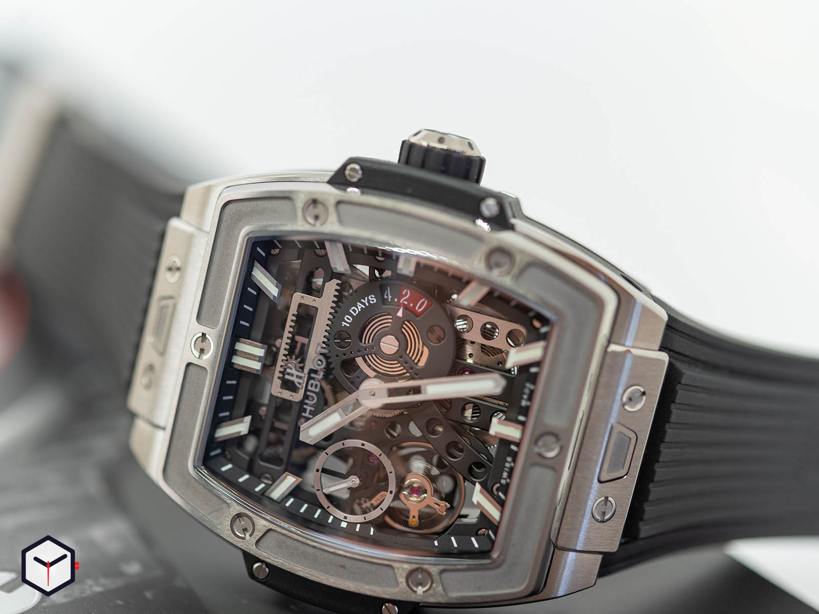 hublot-spirit-of-big-bang-meca-10-2.jpg