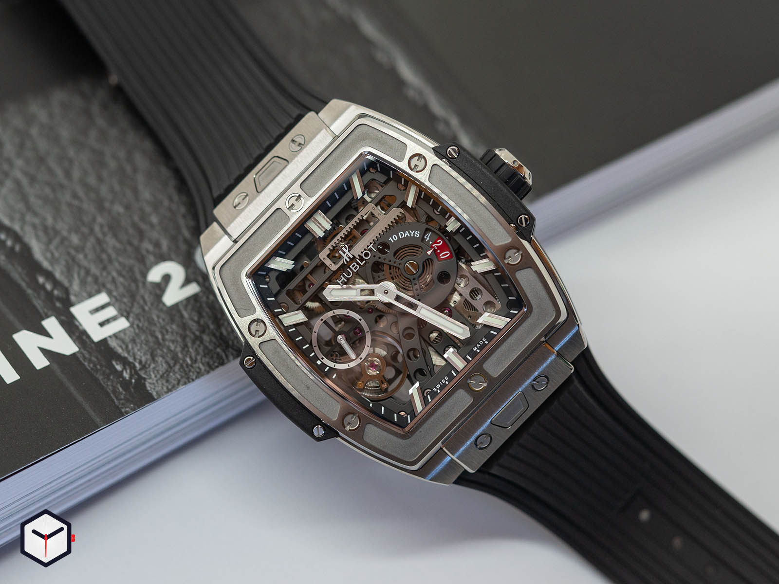 hublot-spirit-of-big-bang-meca-10-3.jpg