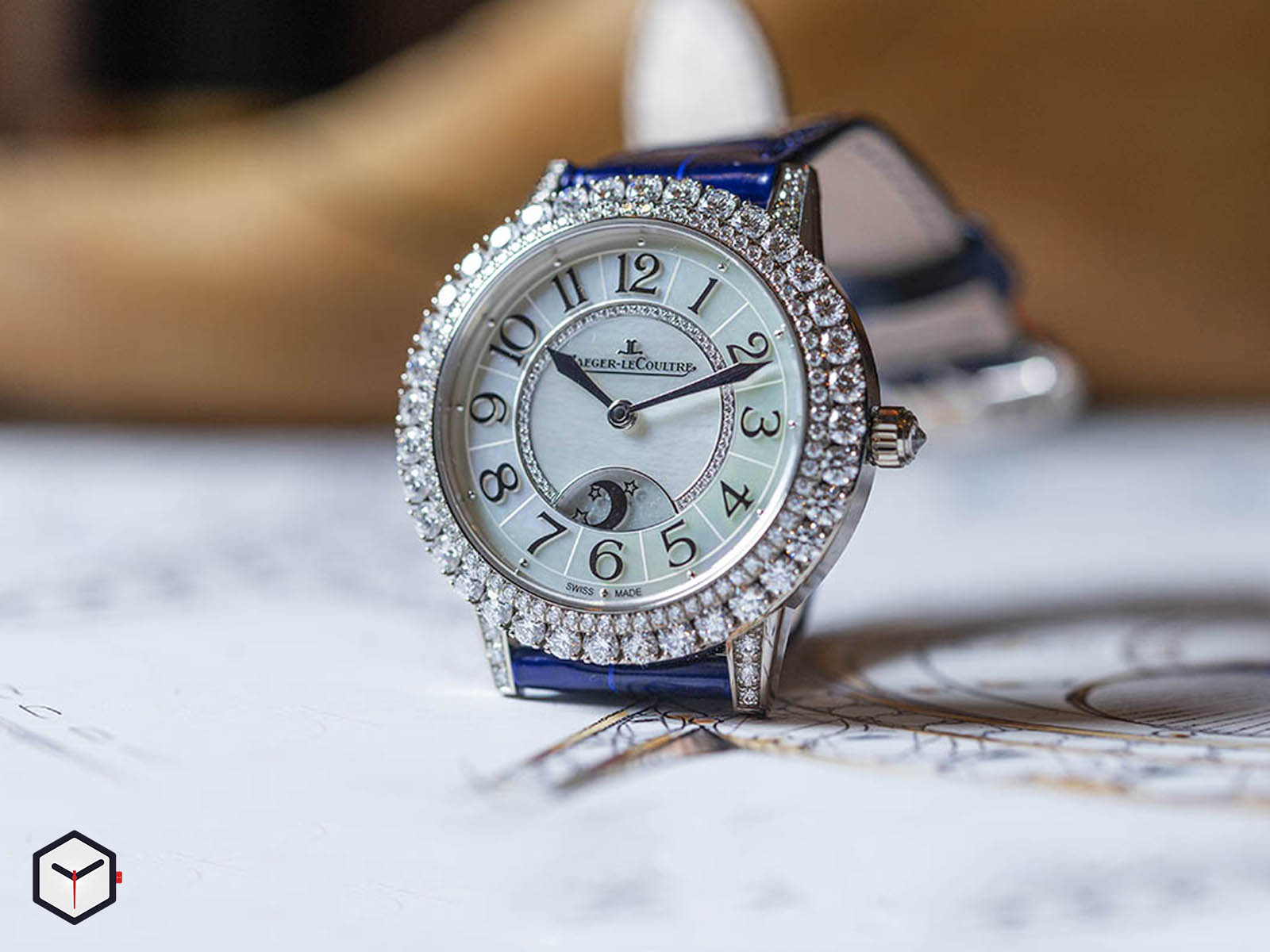 3433570-jaeger-lecoultre-rendez-vous-night-day-white-gold-sihh-2019-2.jpg