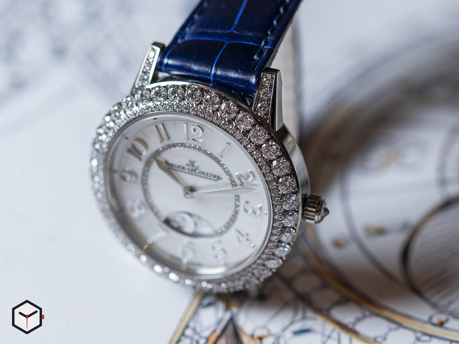 3433570-jaeger-lecoultre-rendez-vous-night-day-white-gold-sihh-2019-3.jpg