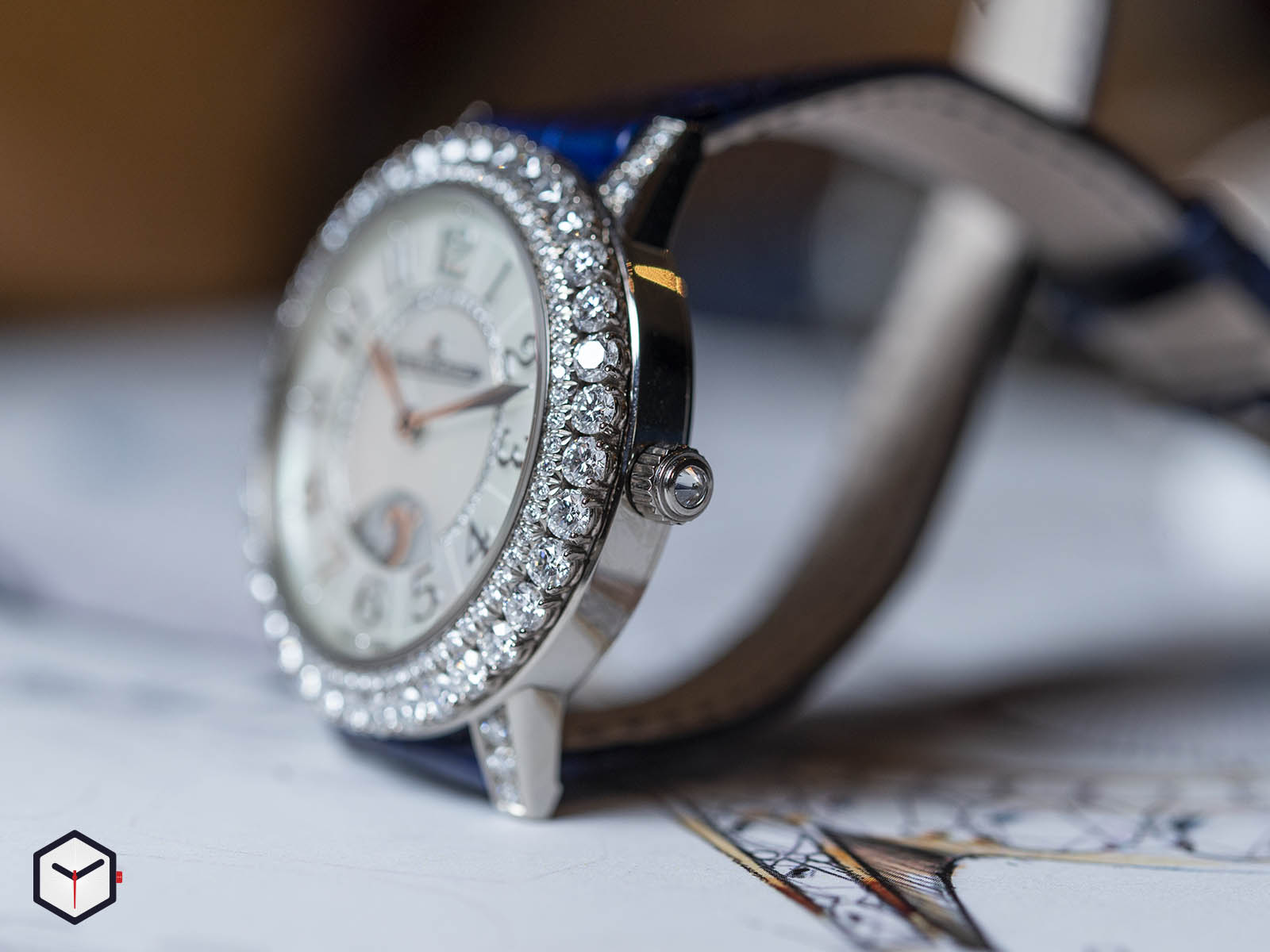3433570-jaeger-lecoultre-rendez-vous-night-day-white-gold-sihh-2019-4.jpg