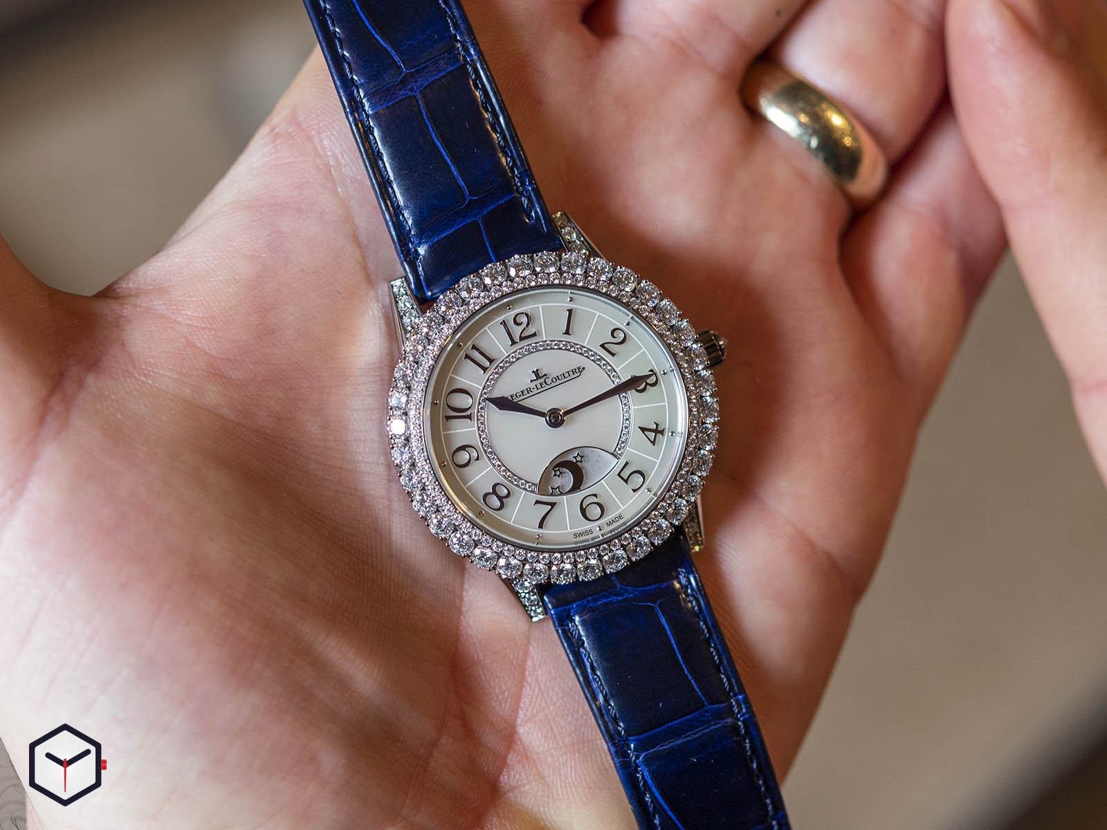 3433570-jaeger-lecoultre-rendez-vous-night-day-white-gold-sihh-2019-7.jpg