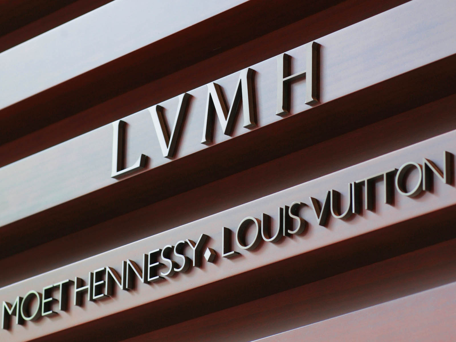lvmh-group-dubai-2020-1.jpg