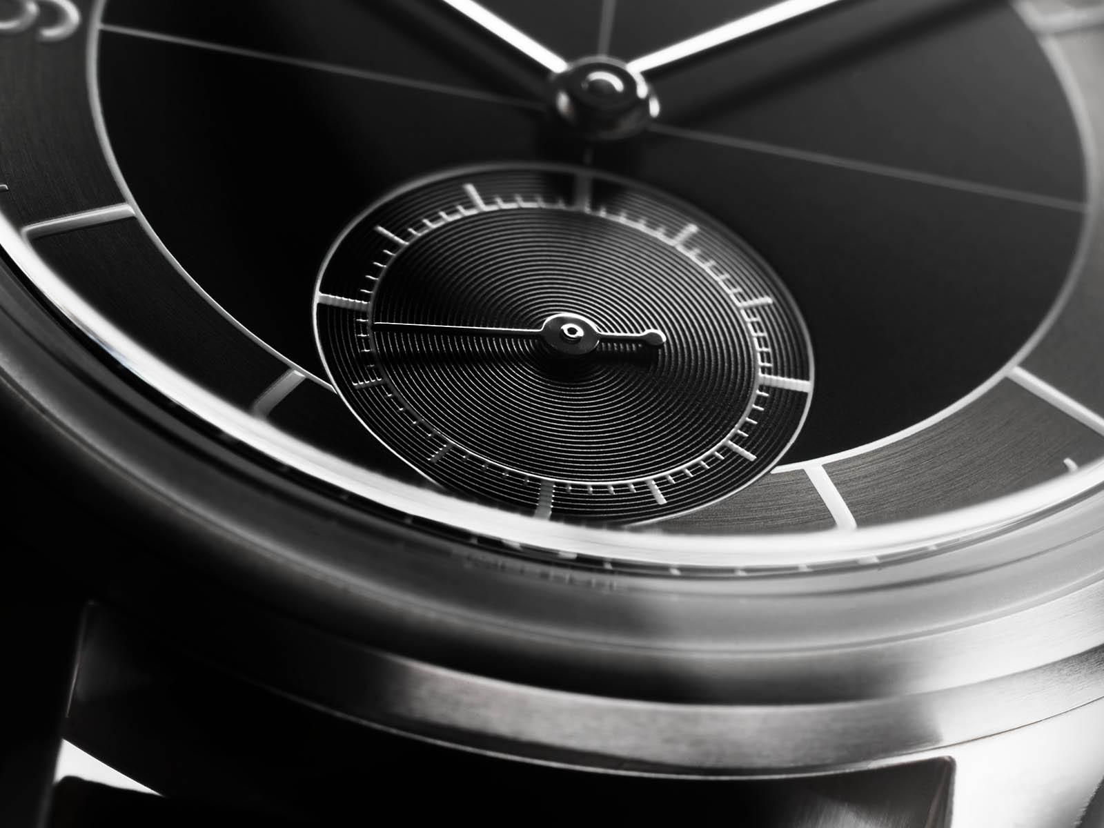longines-heritage-classic-black-dial-2.jpg