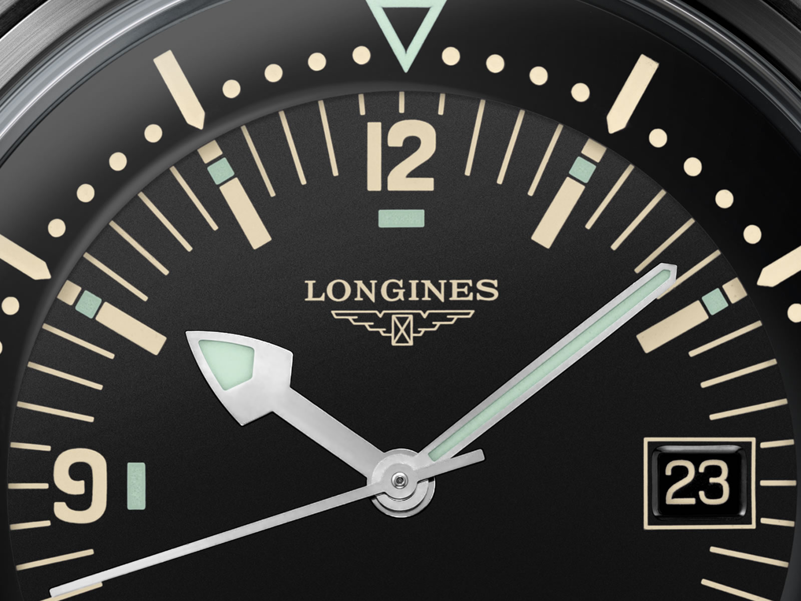 l3-774-2-50-9-the-longines-legend-diver-watch-5-.jpg