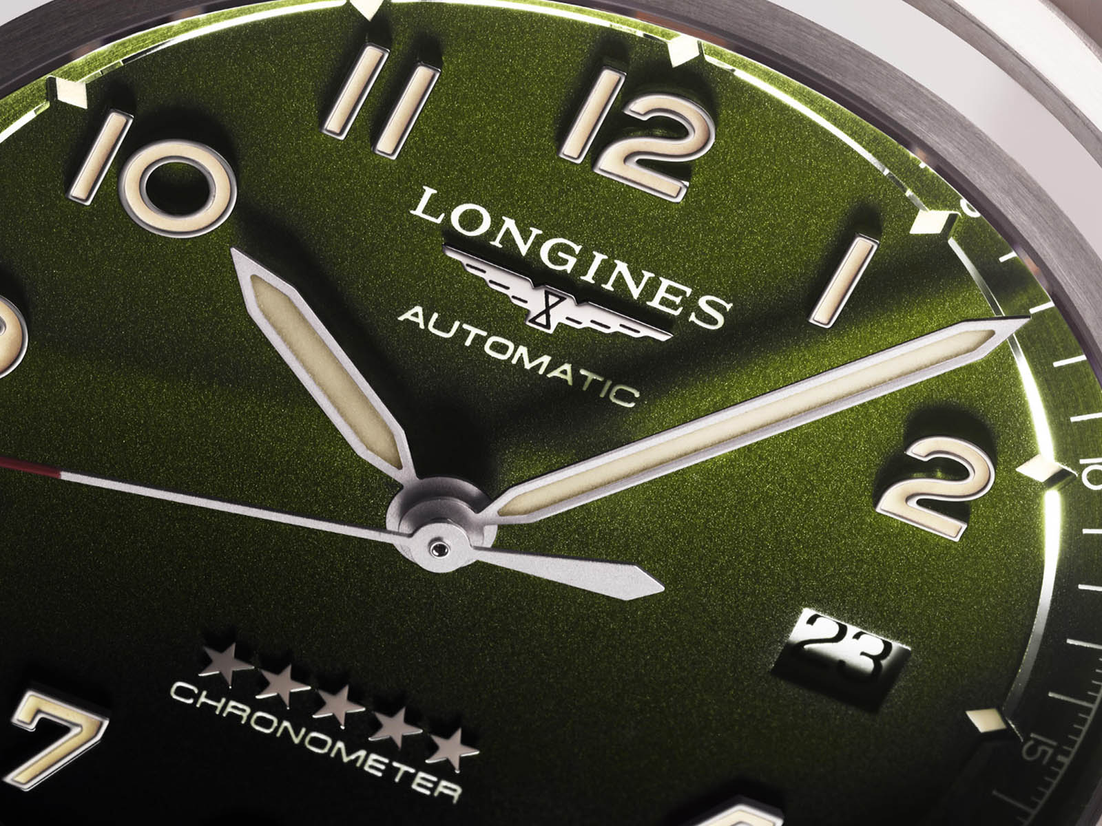 longines-spirit-time-and-date-green-5.jpg