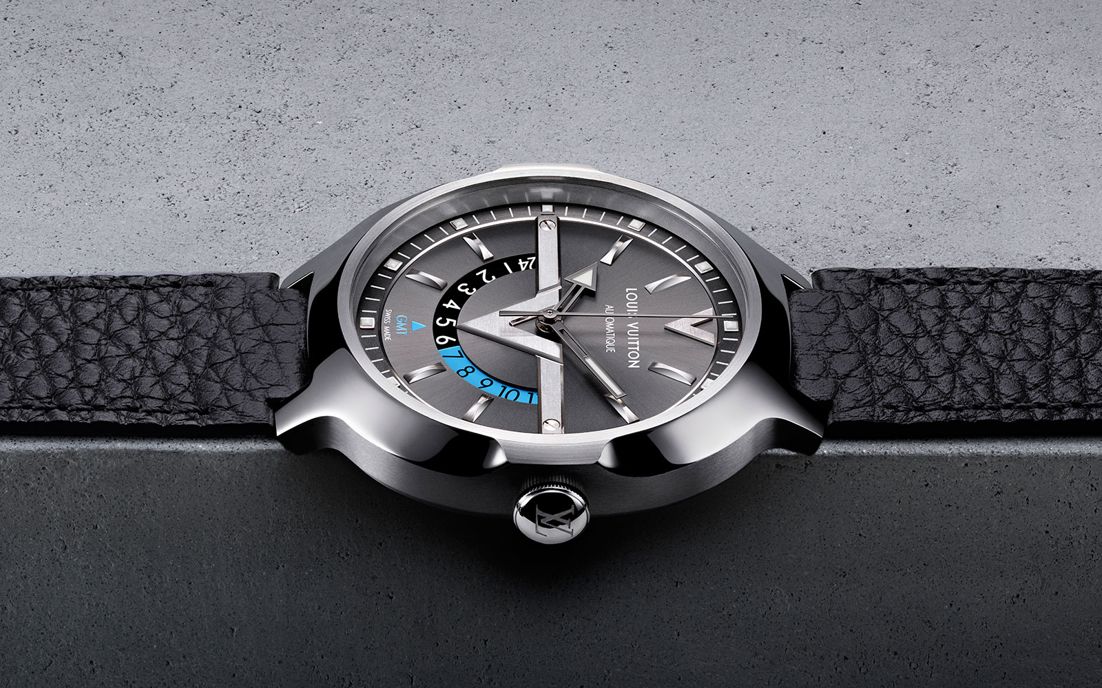 Louis-Vuitton-Voyager-GMT-4.jpg