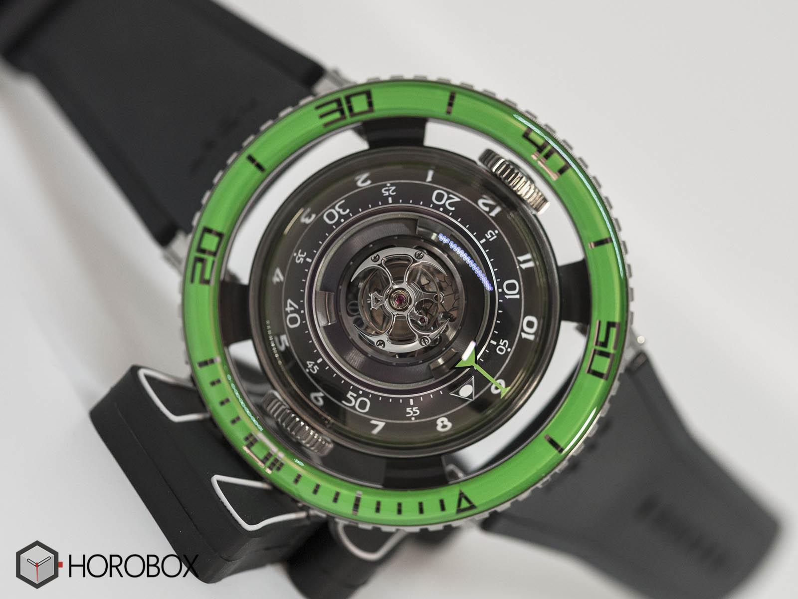 mb-f-hm7-aquapod-green-bezel-3.jpg