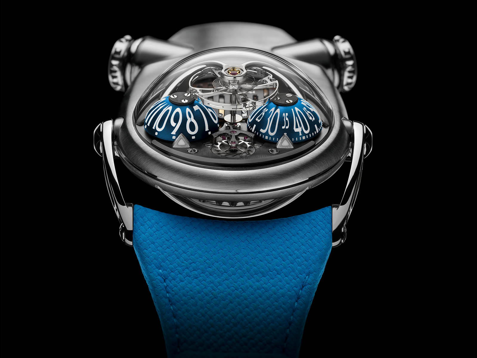 mb-f-horological-machine-n-10-bulldog-titanium-3.jpg