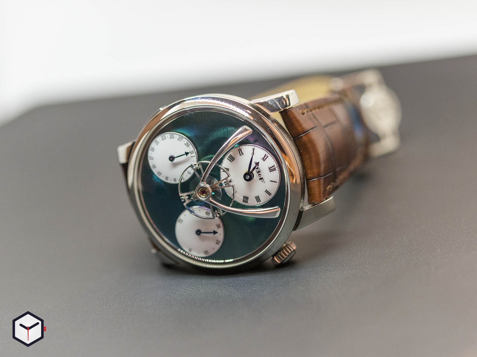 04-tl-g-mb-f-legacy-machine-split-escapement-titanium-green-dial-1.jpg