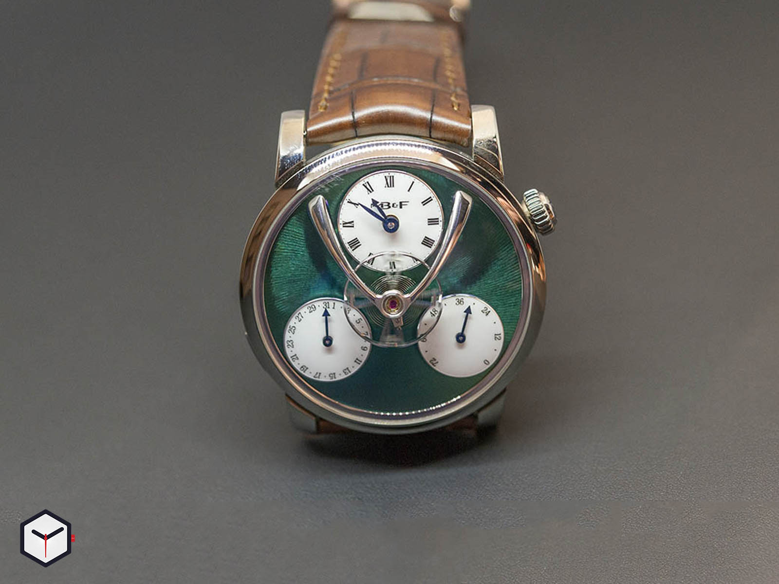 04-tl-g-mb-f-legacy-machine-split-escapement-titanium-green-dial-2.jpg