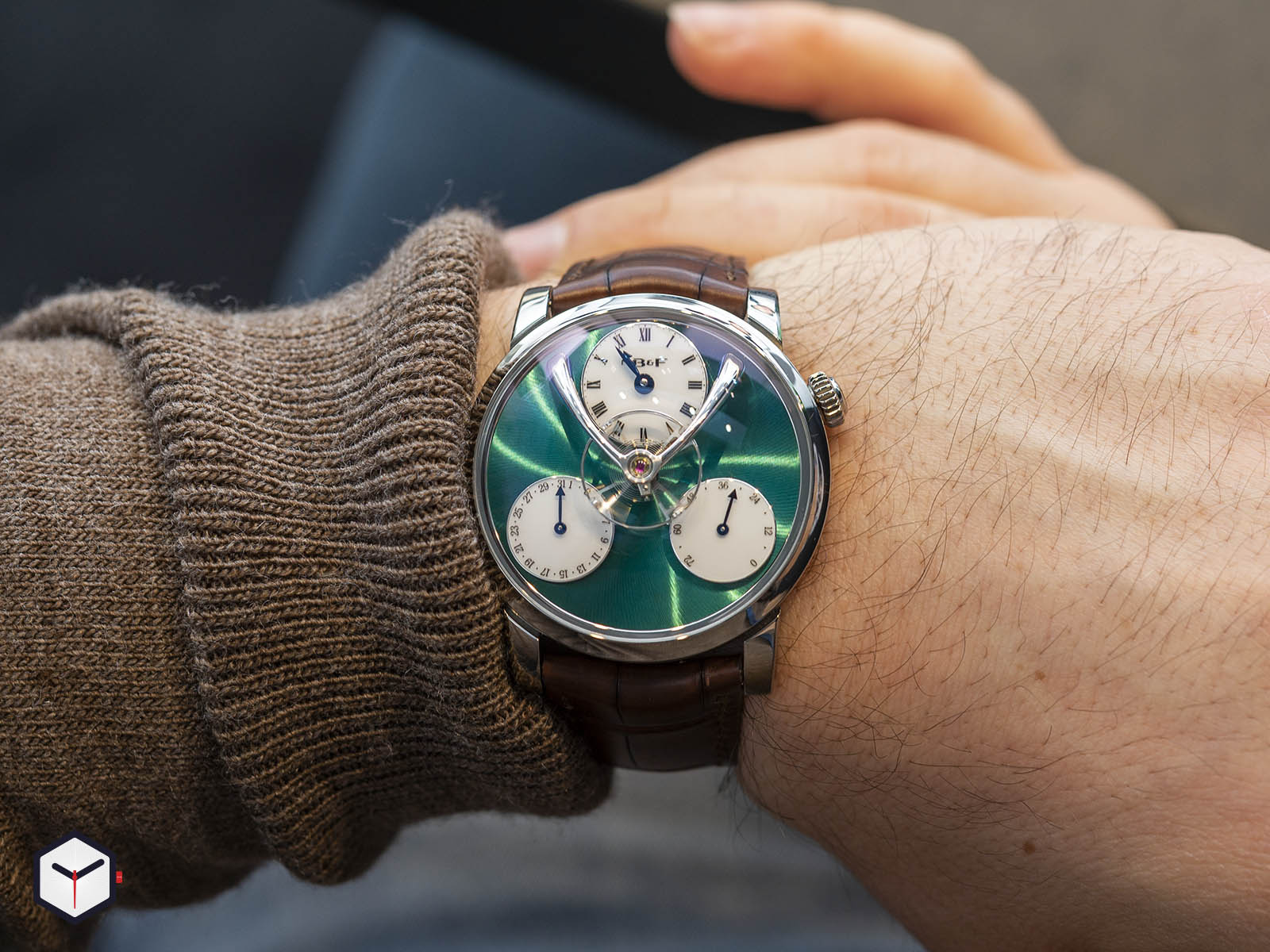 04-tl-g-mb-f-legacy-machine-split-escapement-titanium-green-dial-7.jpg