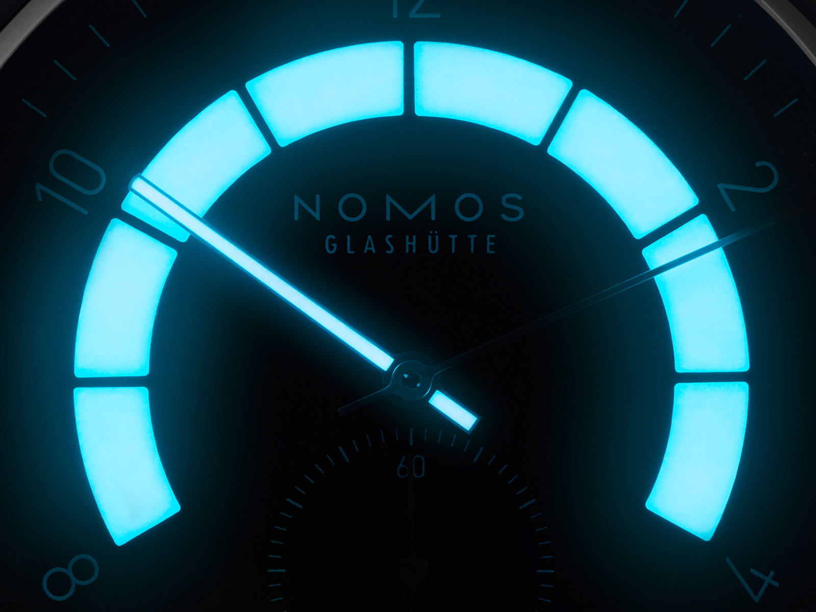 nomos-glashutte-autobahn-4-.jpg