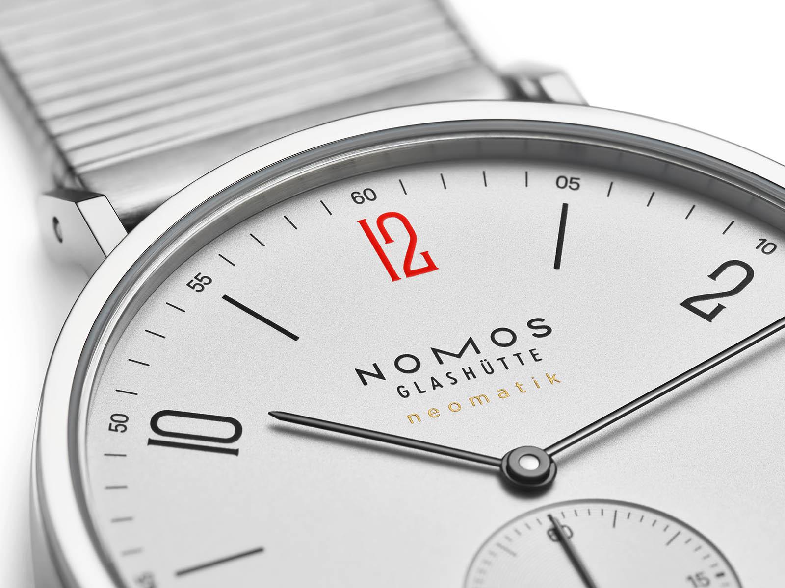 140-s2-nomos-glashutte-tangente-neomatik-medecins-sans-frontieres-2.jpg