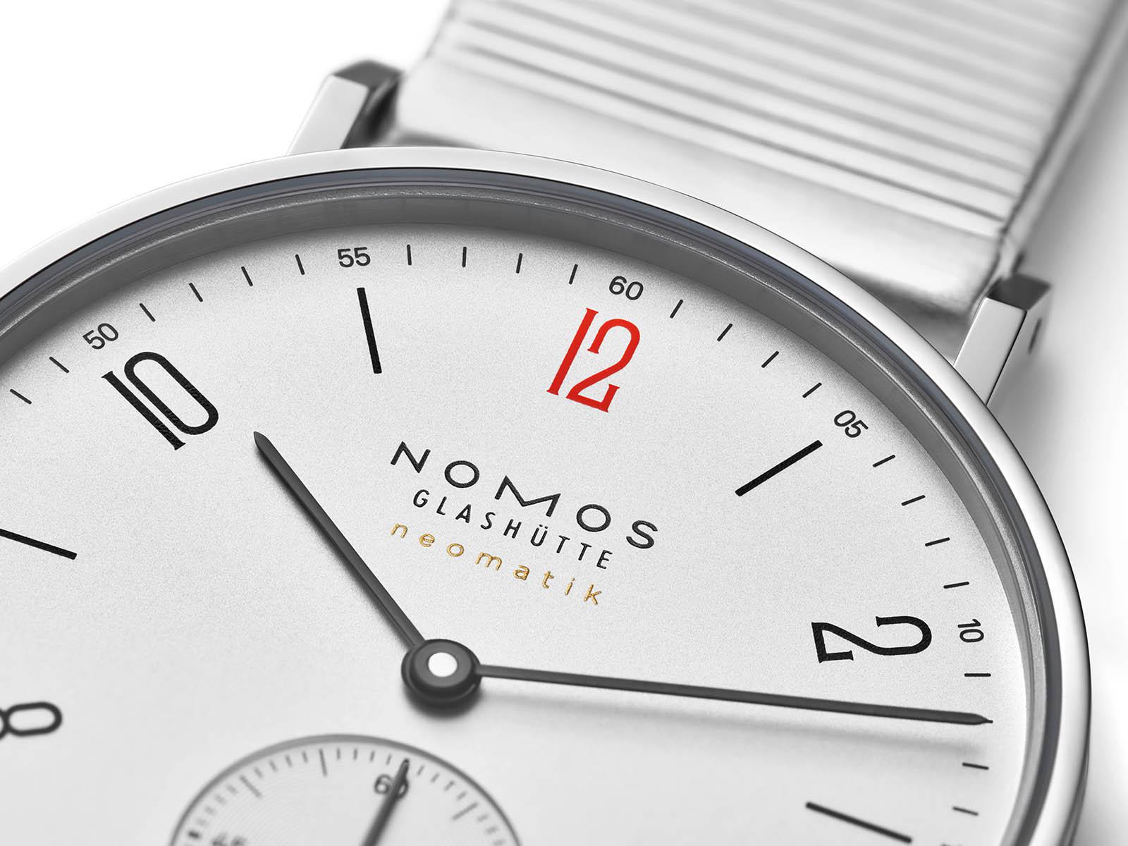 175-s2-nomos-glashutte-tangente-neomatik-medecins-sans-frontieres-4.jpg
