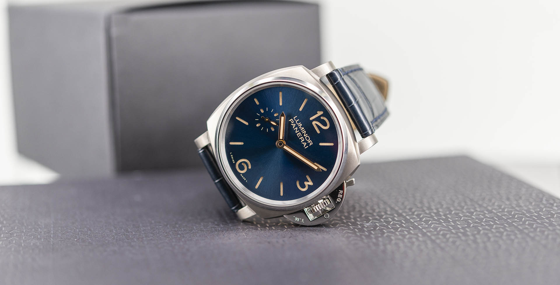 pam00728-officine-panerai-luminor-due-3-days-titanio-42mm-1.jpg