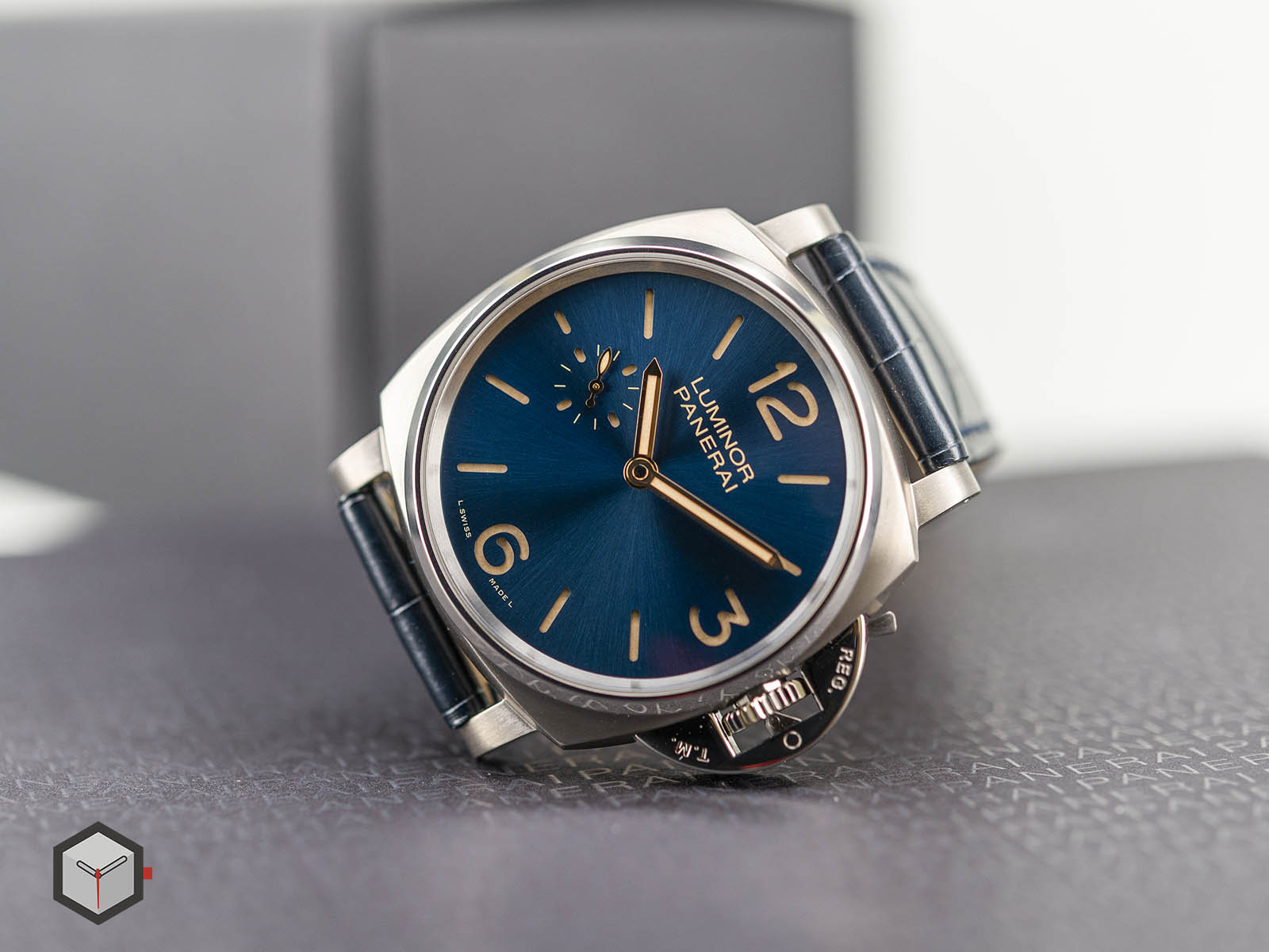 pam00728-officine-panerai-luminor-due-3-days-titanio-42mm-4.jpg