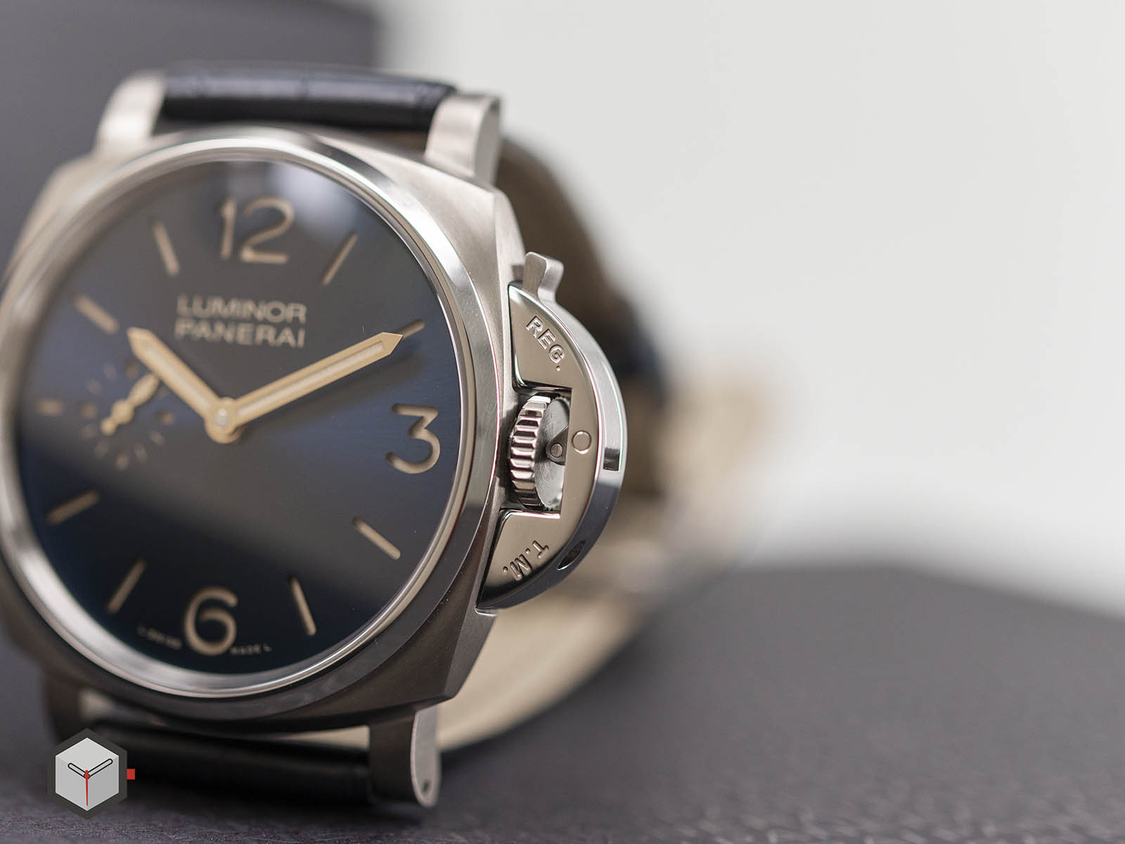 pam00728-officine-panerai-luminor-due-3-days-titanio-42mm-6.jpg