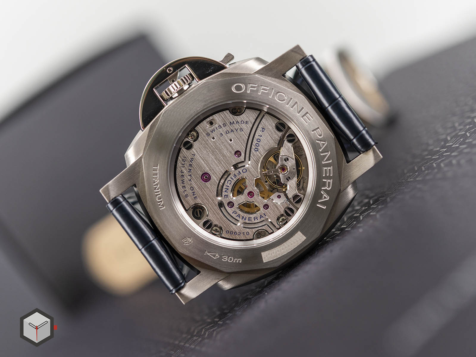 pam00728-officine-panerai-luminor-due-3-days-titanio-42mm-7.jpg