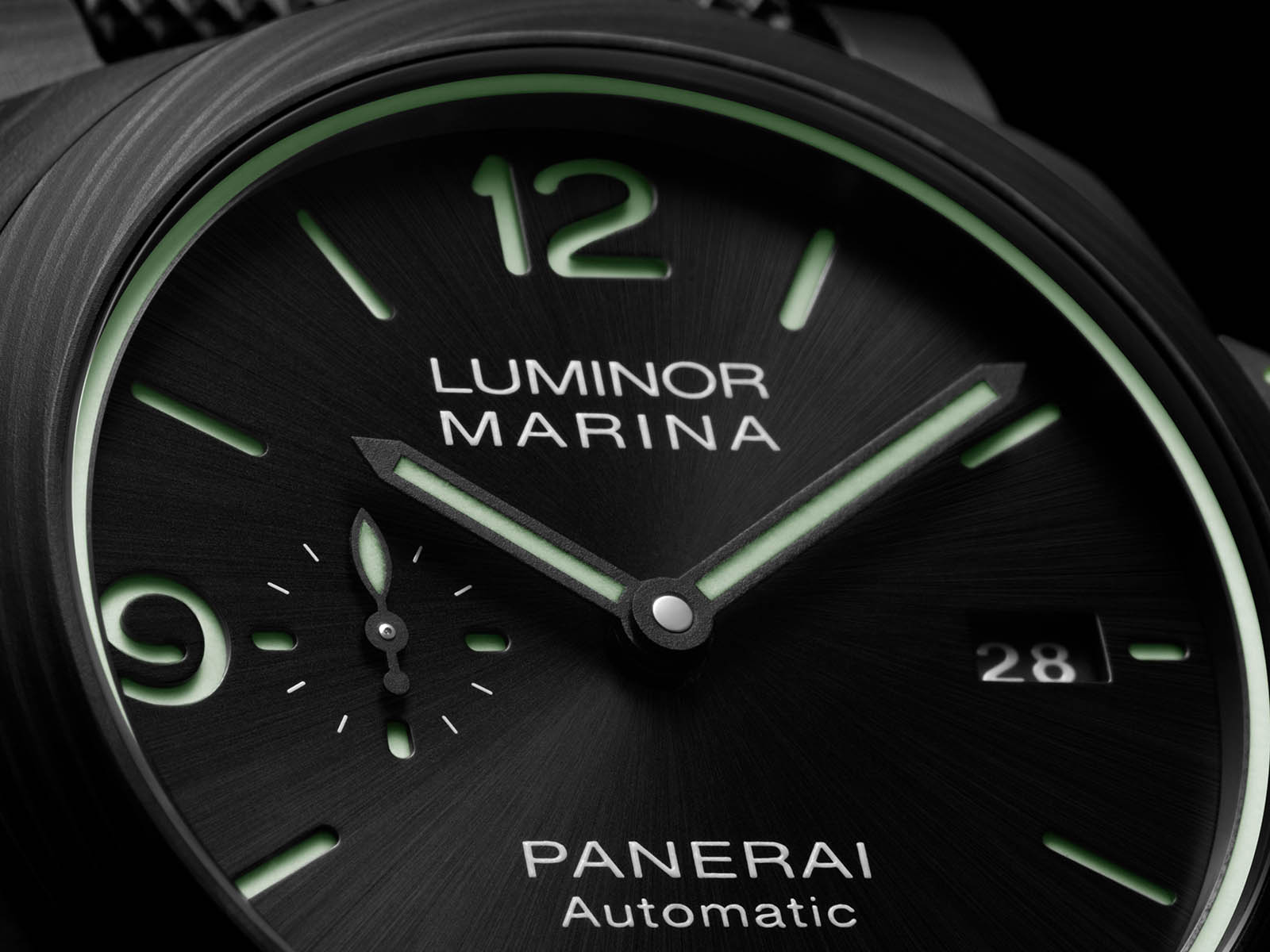 pam01118-officine-panerai-luminor-marina-carbotech-44mm-3.jpg