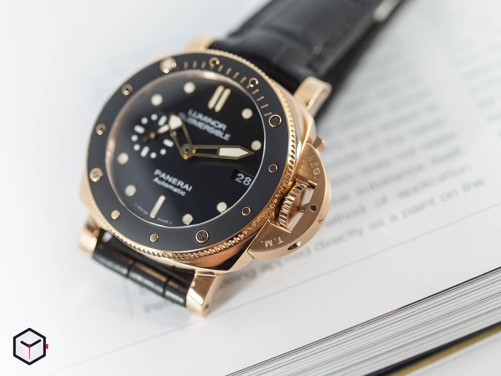 pam00684-officine-panerai-submersible-1950-3-days-automatic-oro-rosso-42mm-2.jpg
