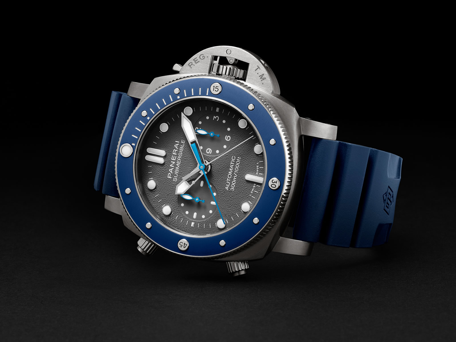 pam00982-officine-panerai-submersible-chrono-guillaume-nery-edition-1-.jpg