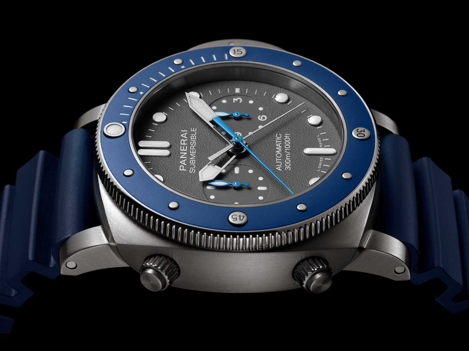 pam00982-officine-panerai-submersible-chrono-guillaume-nery-edition-4-.jpg