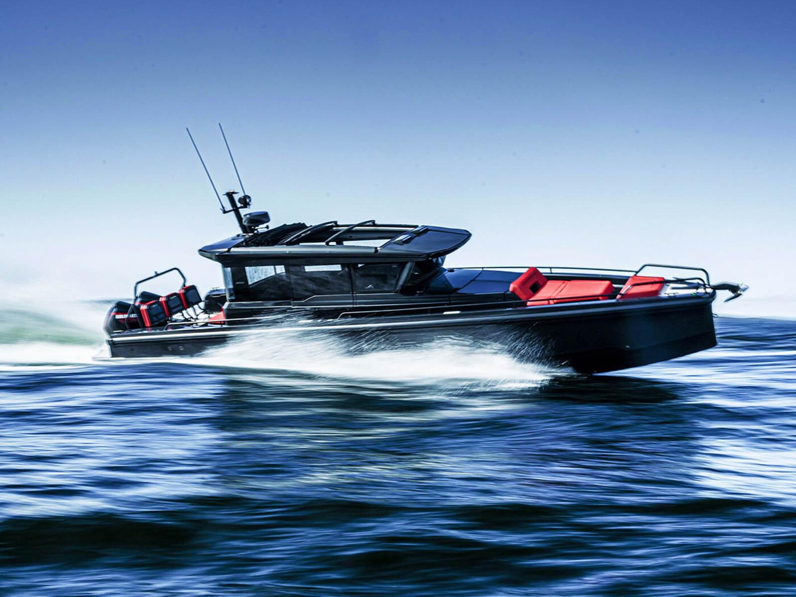 pam01240-officine-panerai-submersible-s-brabus-shadow-black-ops-4.jpg