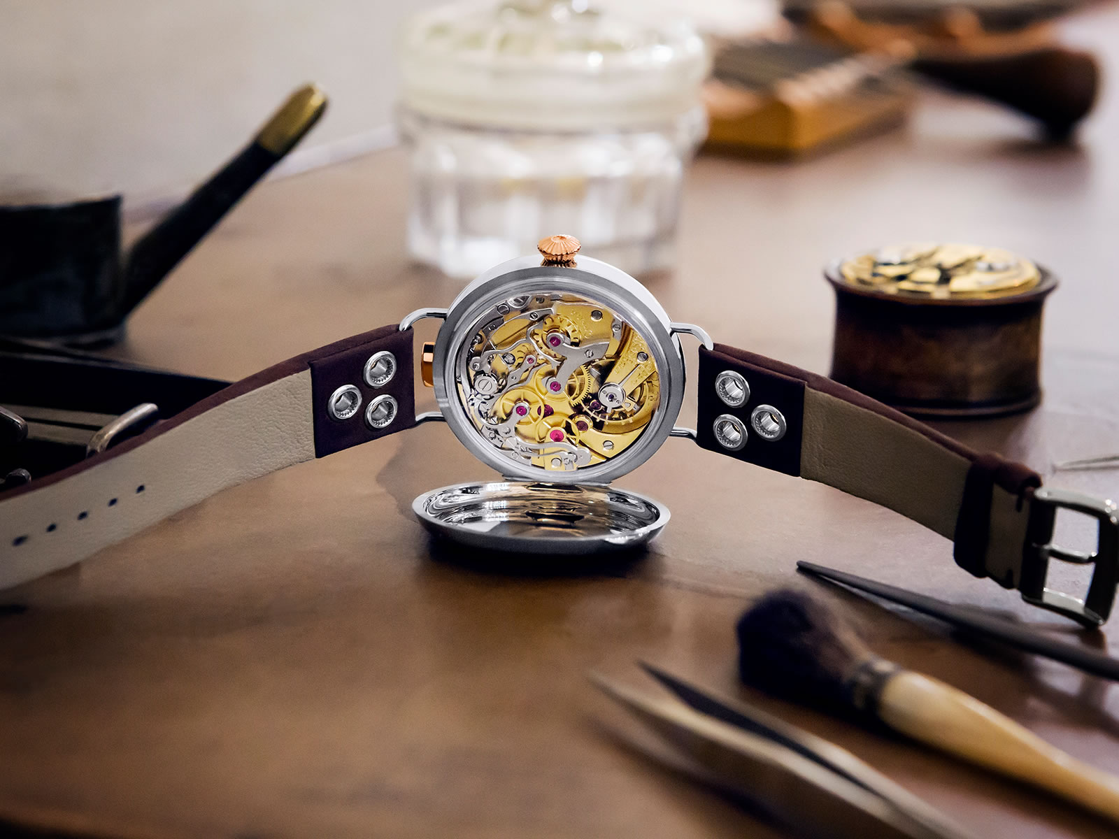 516-52-48-30-04-001-omega-18-chro-wrist-chronograph-limited-edition-5.jpg